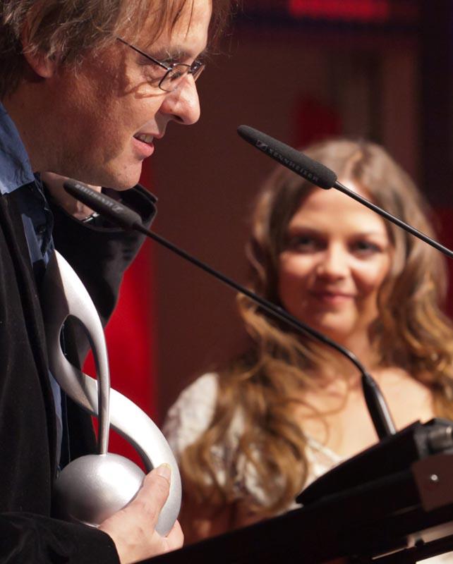 mit Annett ... (ihre Laudatio beim Deutschen Musikautorenpreis hatte mich kurz vorher von der Tischdecke gefegt) - (Foto: Thomas Rosenthal)